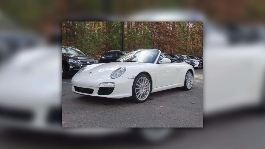 Centro 911 with center driver's seat shows up for sale