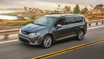 Chrysler Pacifica is the first minivan to earn a 2016 Top Safety Pick+ award