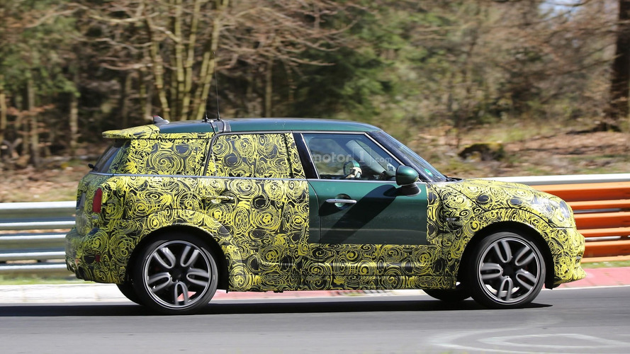 2017 Mini Countryman JCW spy photos