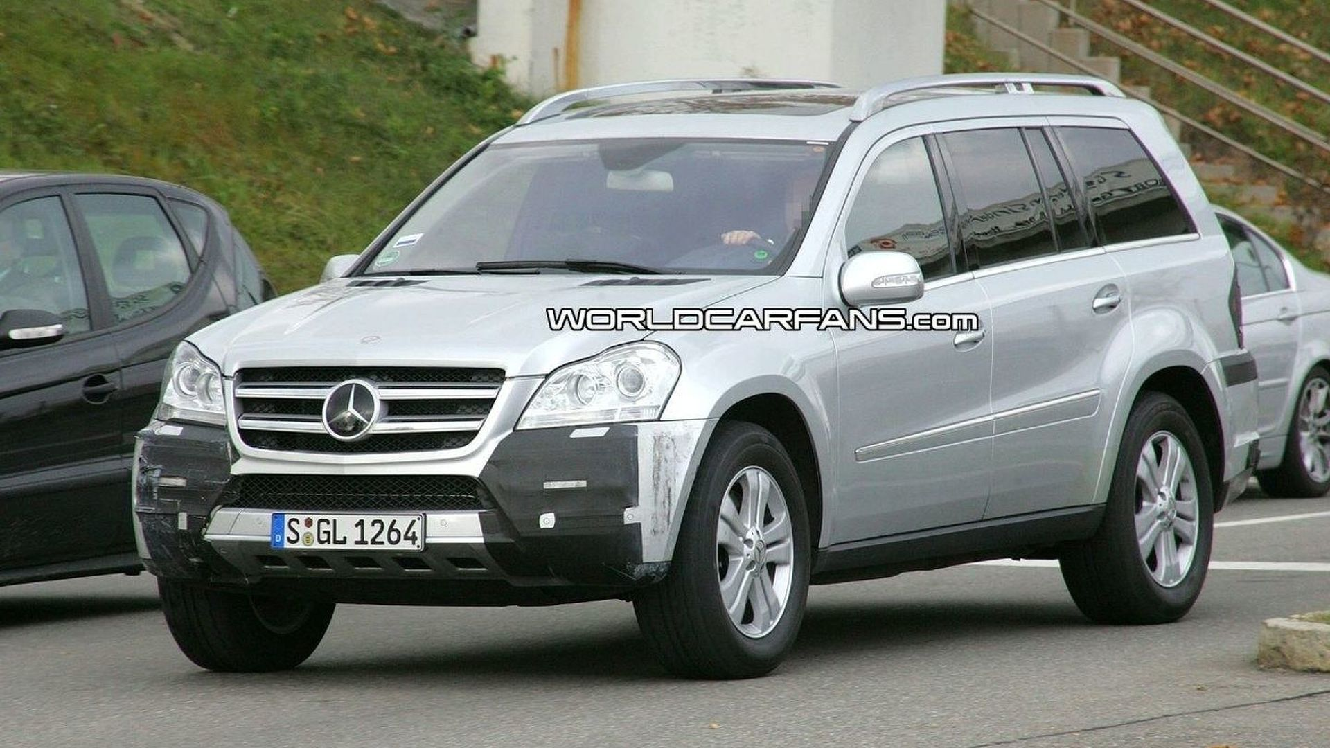 2010 Mercedes GL-Class Facelift - Why bother?