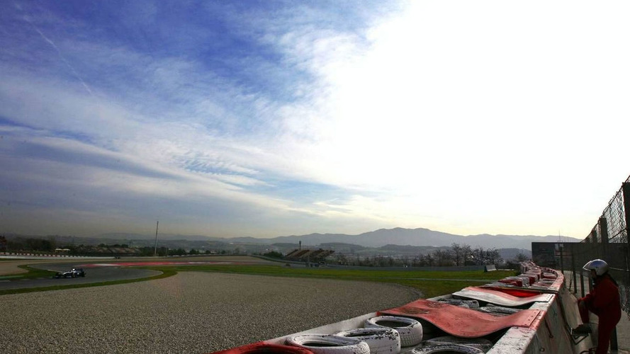 Sunny and dry as Barcelona test begins