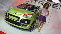Citroën C3 Picasso Showcases Second Generation Stop & Start