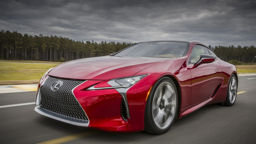 2017 Lexus LC 500 looks sensational