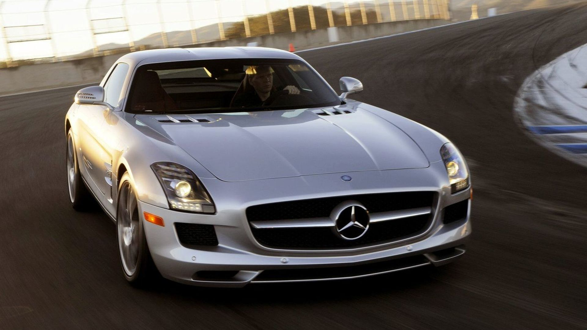Mercedes SLS AMG started development as next-gen Dodge Viper