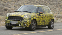 MINI Crossman / Countryman S spied showing front end details