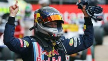 Vettel's salary rises to eight digits - report