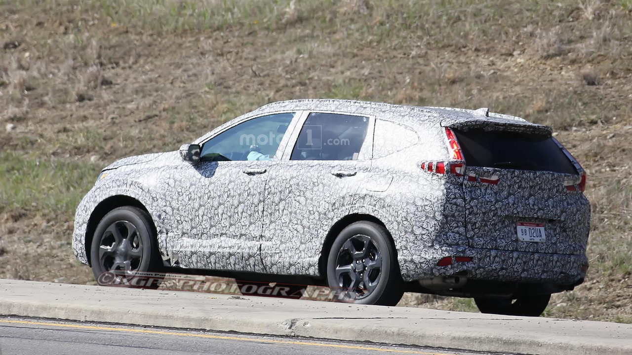 2017 Honda CR-V spy photos