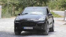 2015 Porsche Cayenne facelift spy photo 06.08.2013