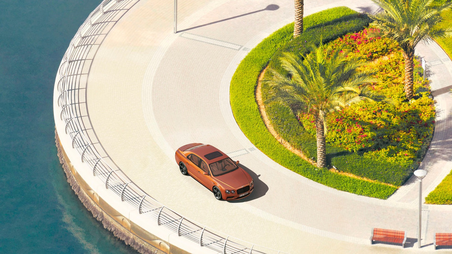 Bentley Plays Gigapixel Hide-And-Seek With Flying Spur W12 S In Dubai