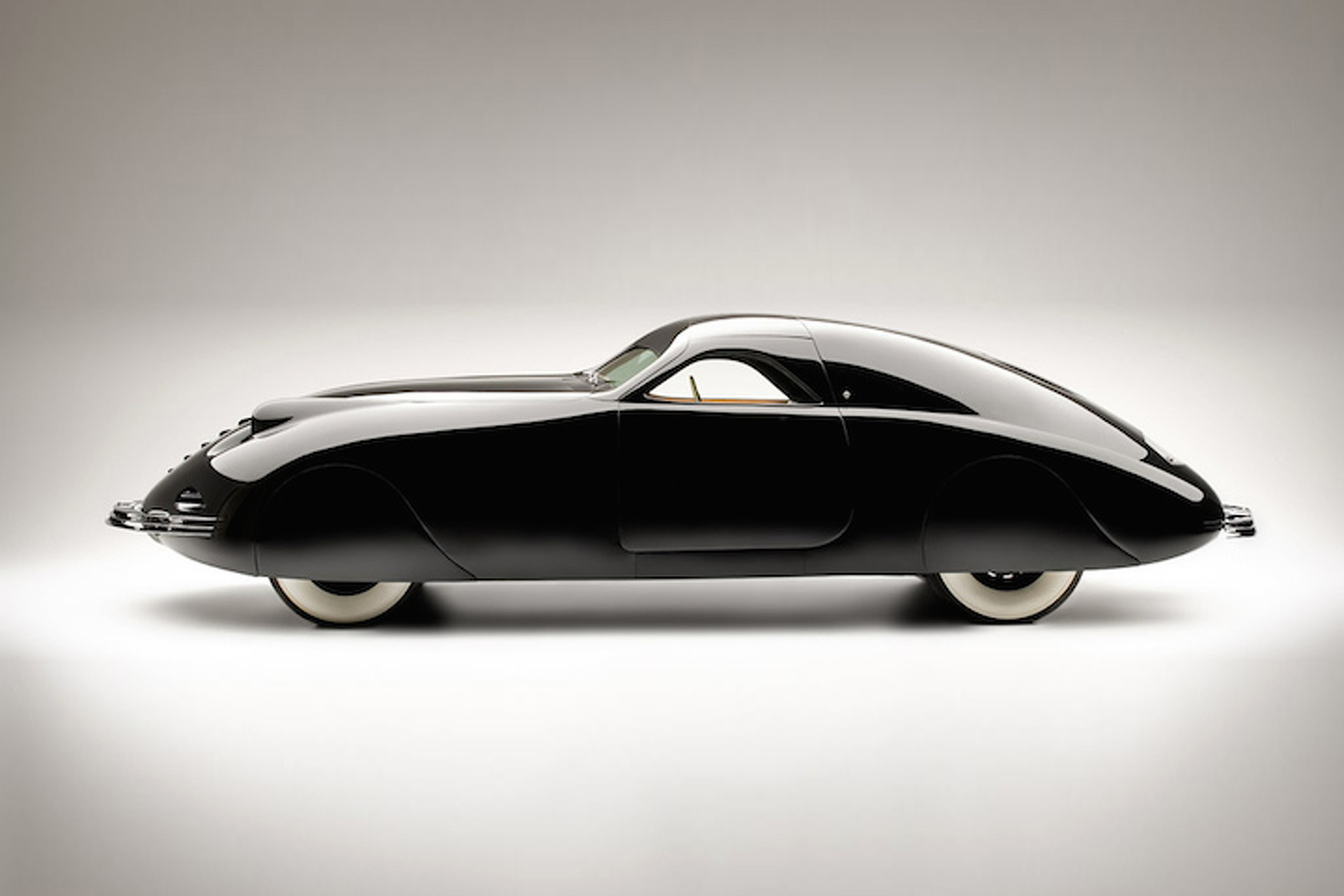 The 1938 Phantom Corsair: A Glimpse of the Future from the Past