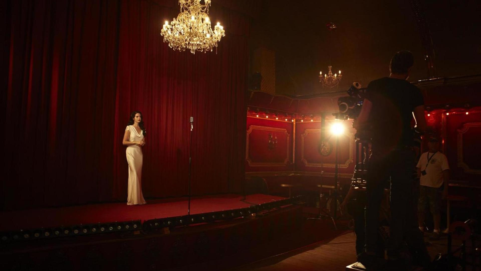 Jaguar F-TYPE stars in Lana Del Rey's 'Burning Desire' video
