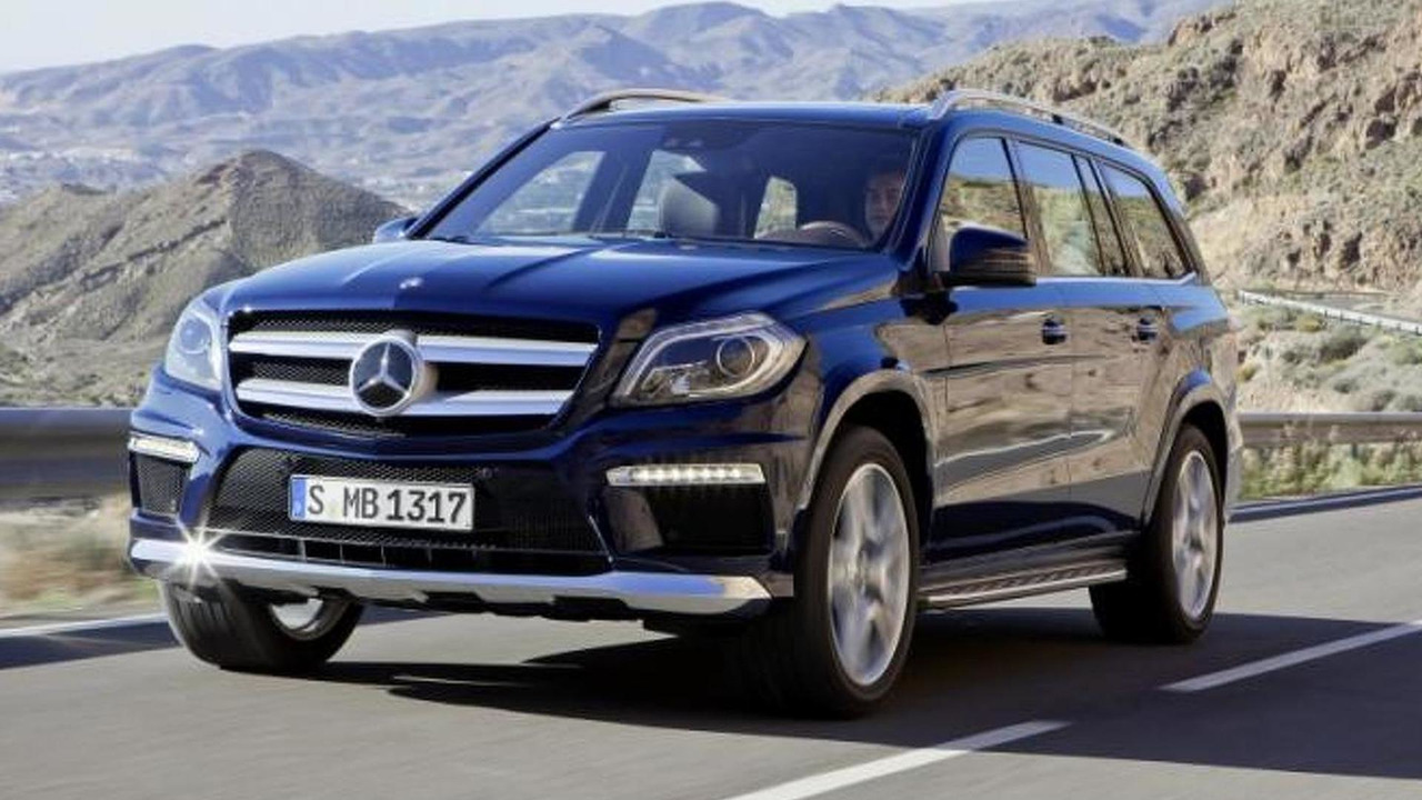 2013 Mercedes GL leaked image - low res - 02.4.2012