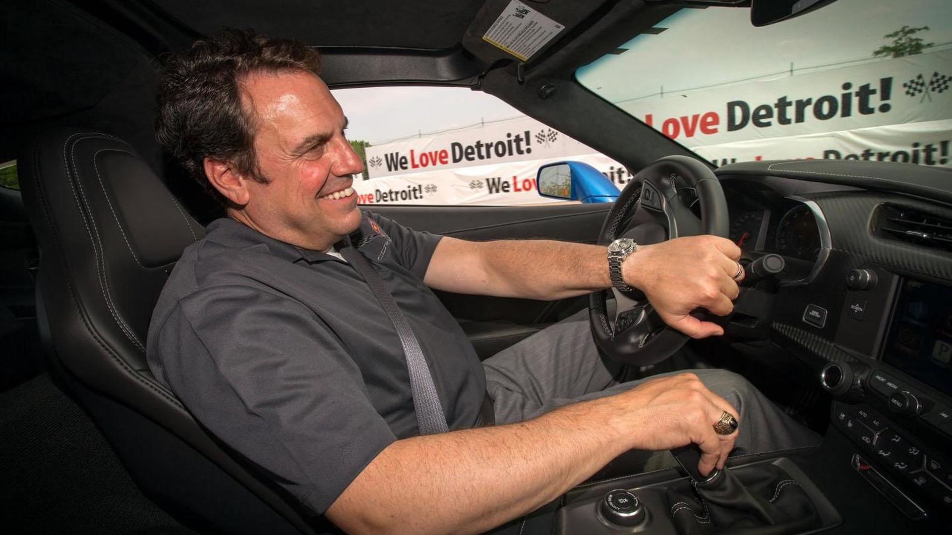 Corvette Stingray Pace Car hits the Detroit Belle Isle Grand Prix [video]