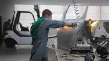 Skoda 'Made of Meaner Stuff' TV commercial screenshot, 1600, 02.11.2010
