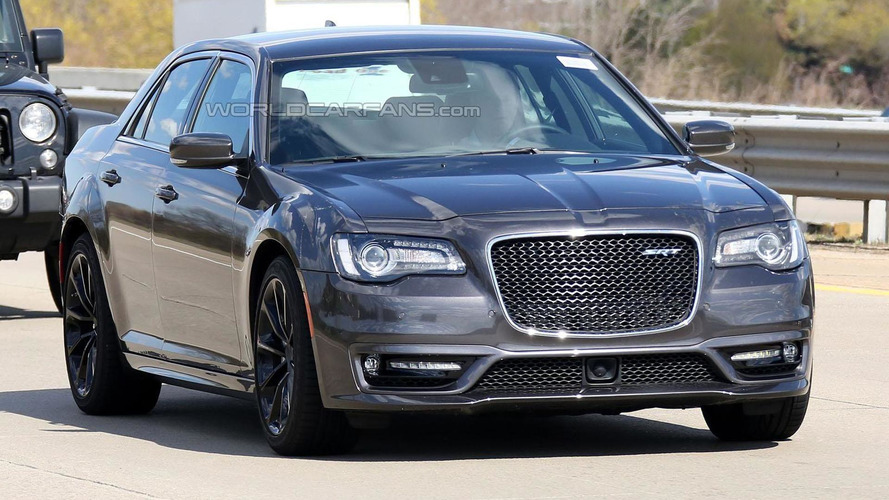 2016 Chrysler 300 SRT spied undisguised in Michigan