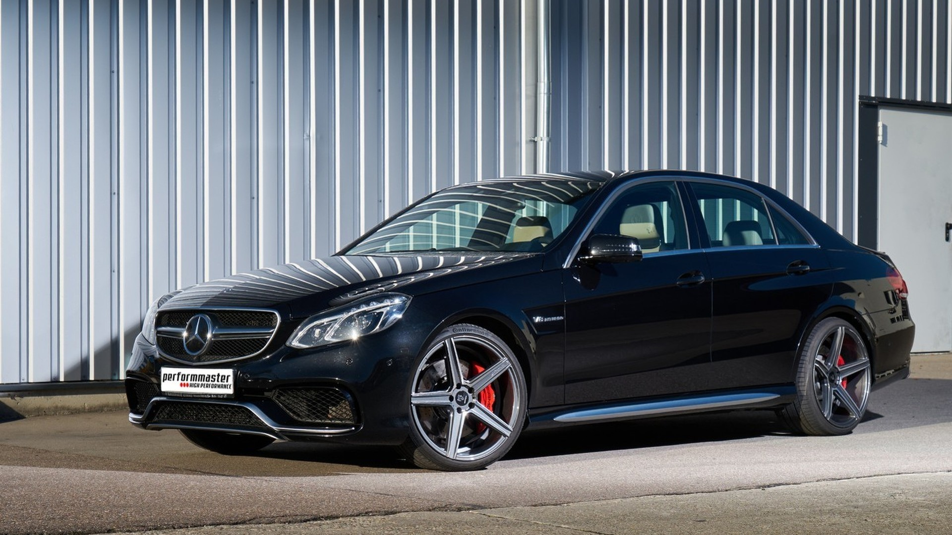 Mercedes E63 AMG gets 702 PS via software wizardry