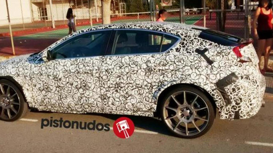 New Honda Civic spied with sporty details