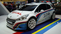 Peugeot 208 TYPE R5 rally car powers into Paris