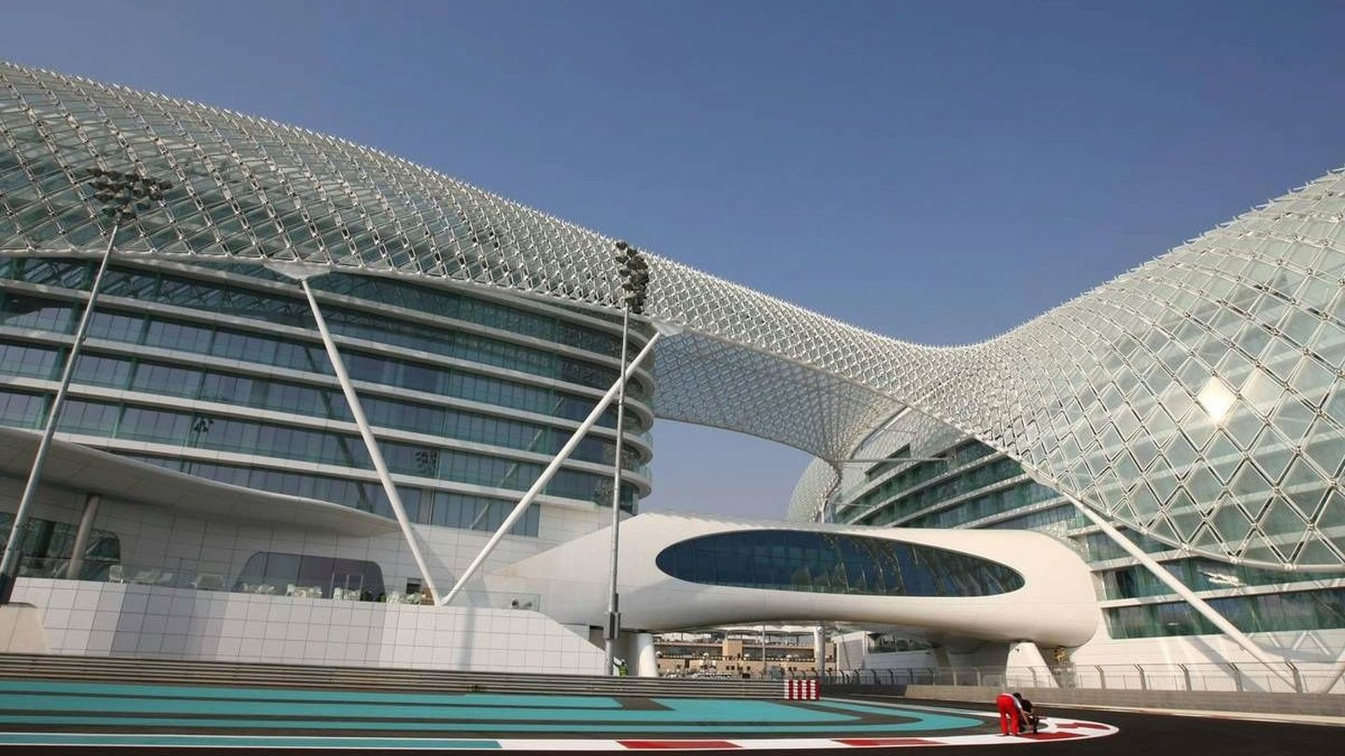 Report - Abu Dhabi to host young driver test?