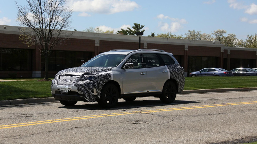 Nissan Pathfinder spied hiding facelift for 2017MY