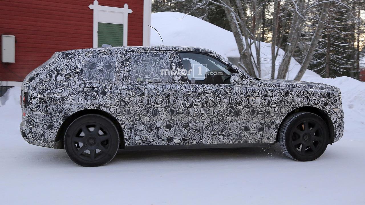 2017 - [Rolls-Royce] SUV Cullinan - Page 8 2019-rolls-royce-cullinan-spy-photo