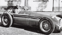 Juan Manuel Fangio's body to be exhumed, rules Argentinian judge