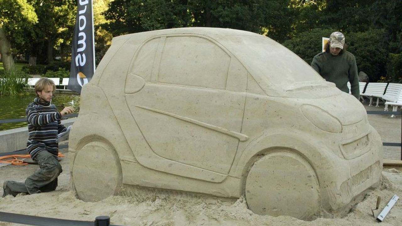 New smart Fortwo Sand Sculpture