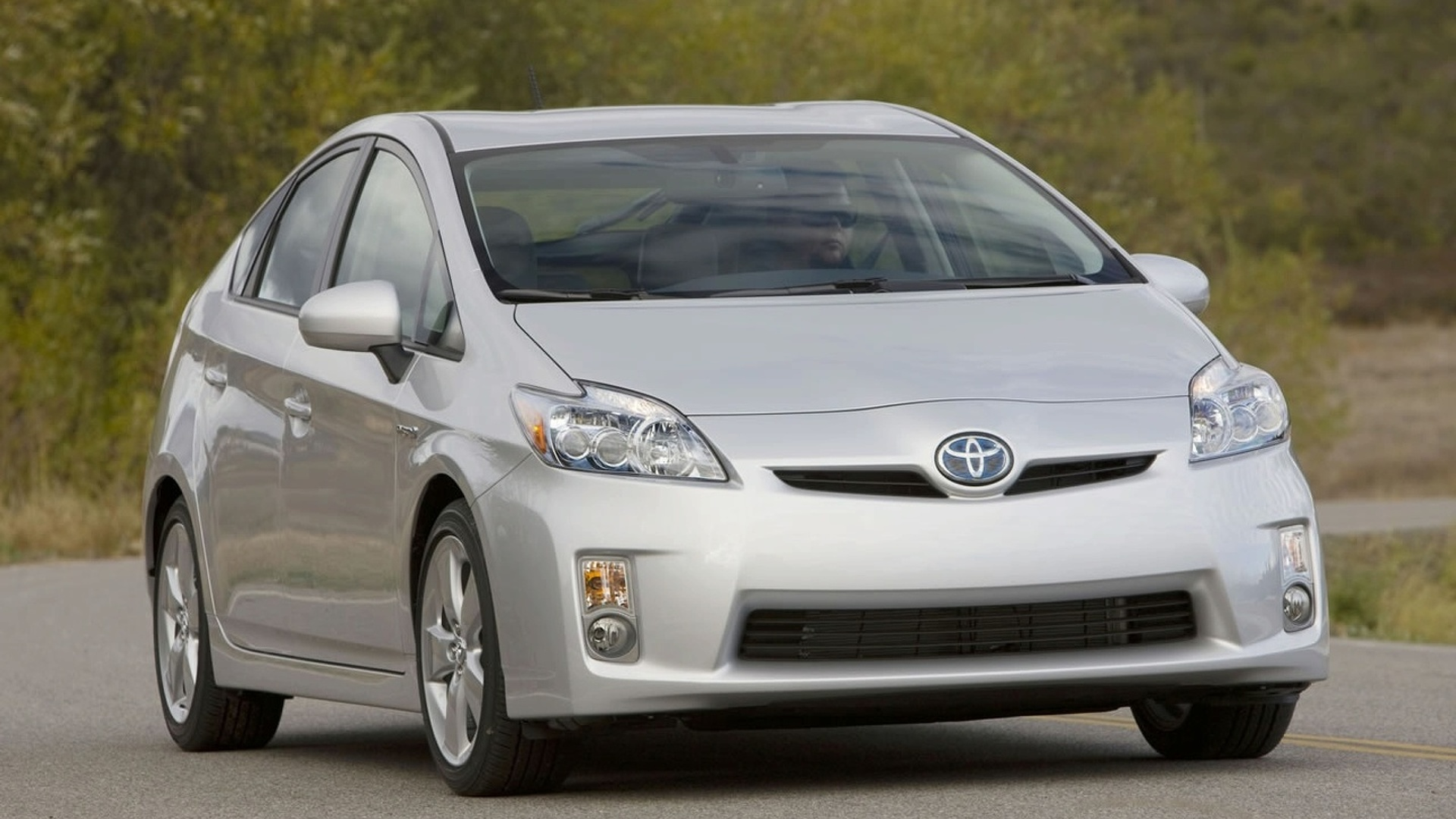 Toyota to Produce Cheaper Entry Level Prius to Compete with Honda Insight