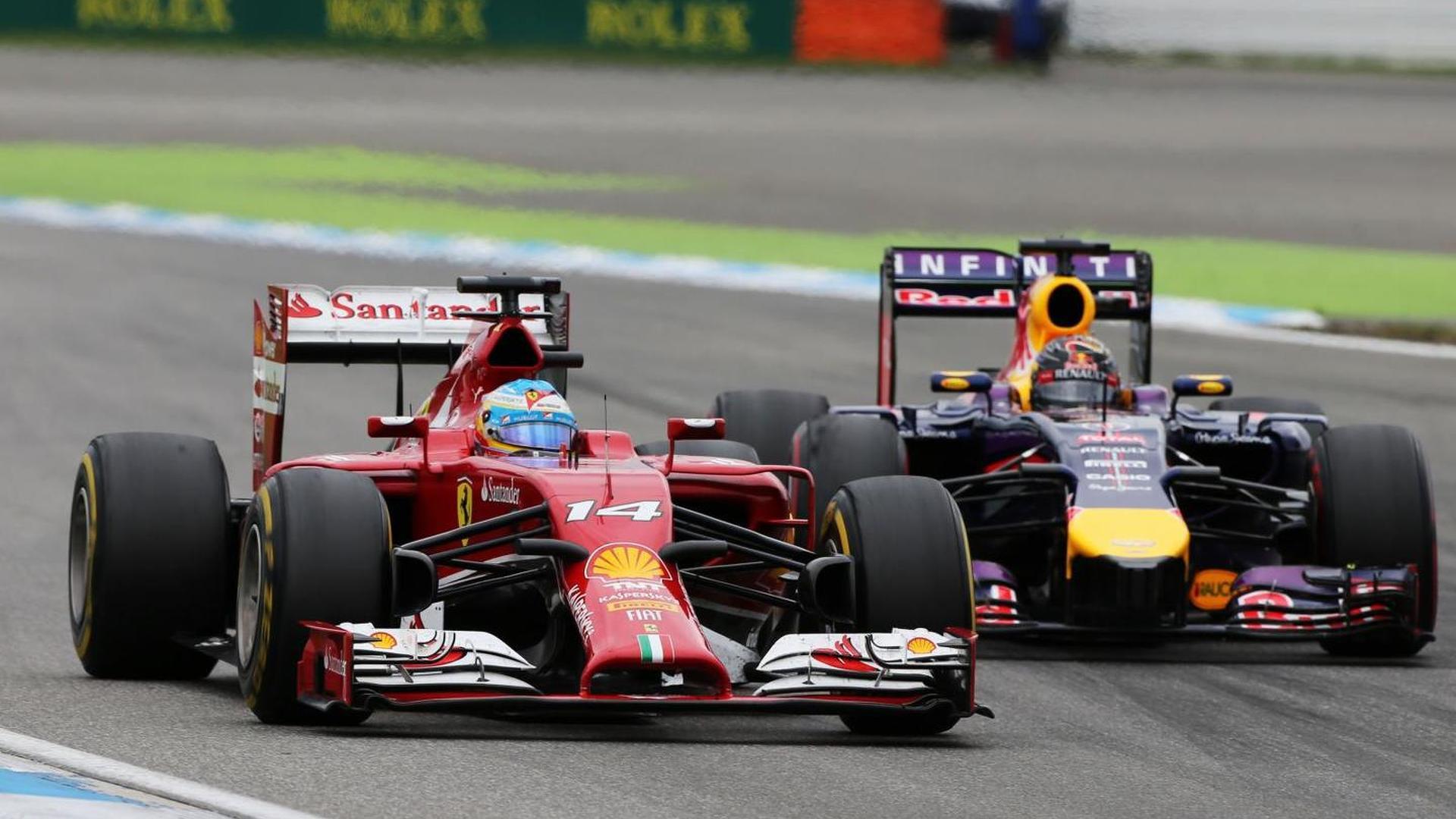 Vettel, Red Bull deny Alonso seat swap