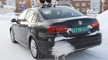 2013 Volkswagen Jetta Hybrid first look on the road