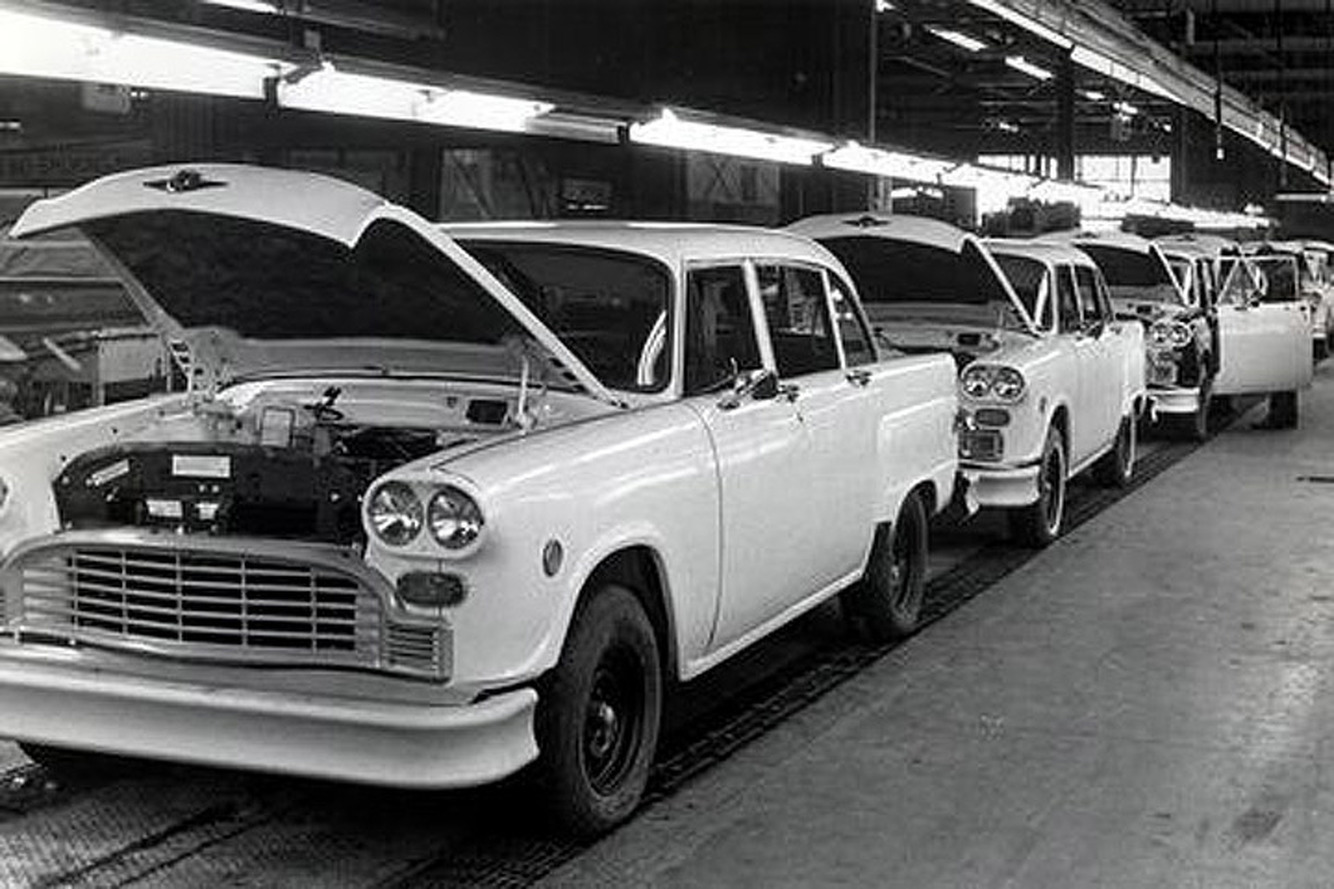 The Iconic Checker Taxi Cab is Coming Back to Life