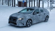 Renault Megane Estate spied, could be introduced later this year