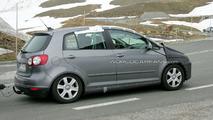 VW Golf Plus Facelift Spy Video