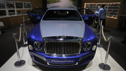 Bentley Mulsanne Grand Limousine Mulliner stretches in Geneva