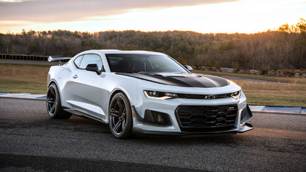 Chevy Camaro ZL1 gets even more hardcore with 1LE package