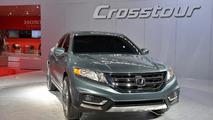 2013 Honda Crosstour concept live in New York 04.04.2012