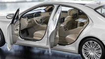 Mercedes-Benz shows S-Class scale models