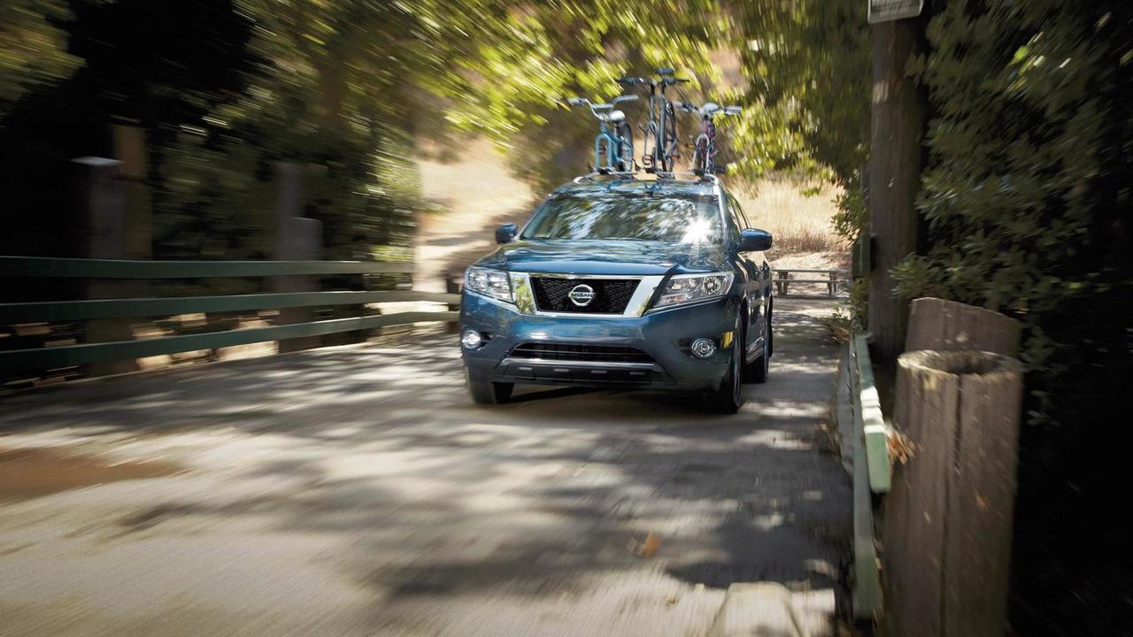 2015 Nissan Pathfinder (US-spec)