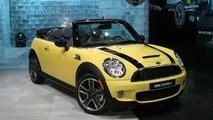 VIDEO: Mini Cooper Convertible Debuts at 2009 NAIAS