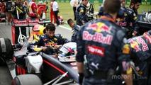 Daniel Ricciardo, Red Bull Racing RB12 on the grid