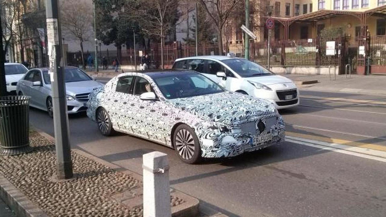 2016 Mercedes-Benz E-Class spy photo / alvolante.it