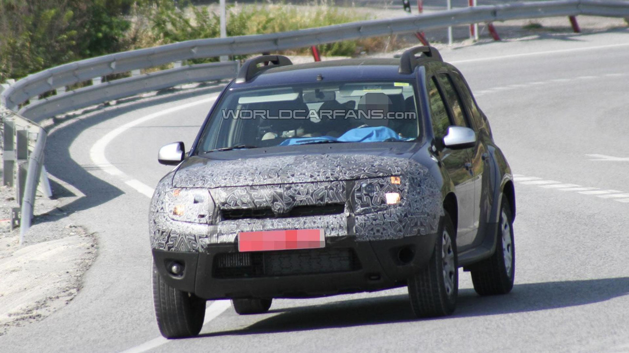 2014 Dacia Duster facelift spy photo 11.07.2013