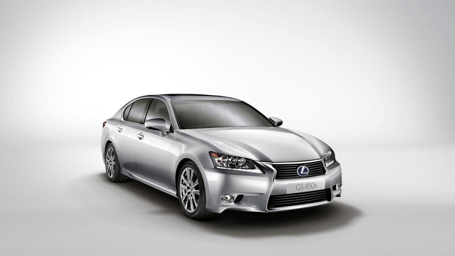 Lexus developing entry-level GS Hybrid - report