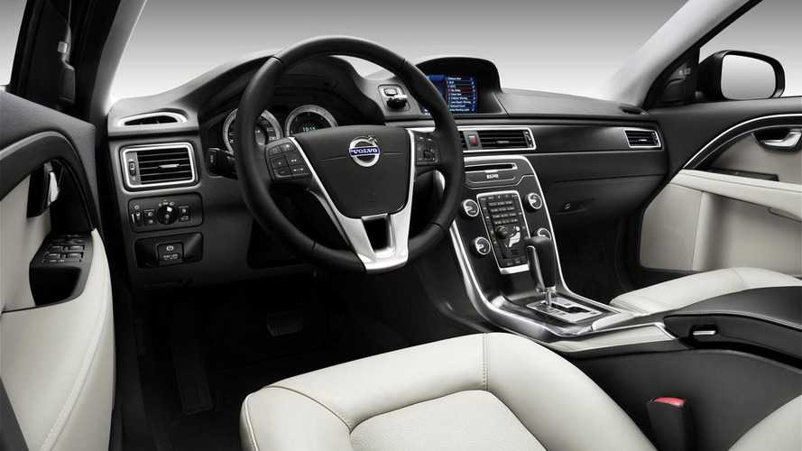 Volvo updates the V70, XC70 and S80