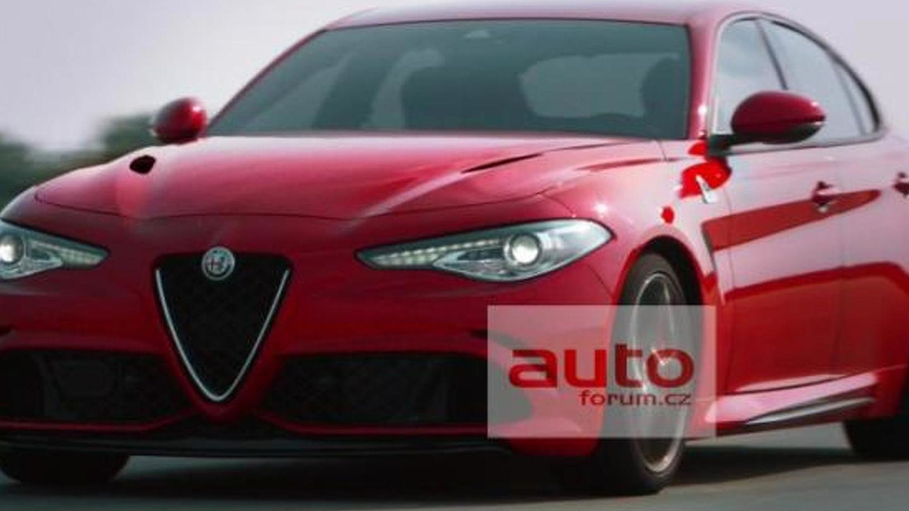 2016 Alfa Romeo Giulia leaked official photo / AutoForum.cz