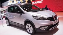 2013 Renault Scenic XMOD at 2013 Geneva Motor Show