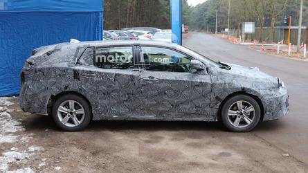 Next-gen Toyota Avensis wagon spied hiding turbo power