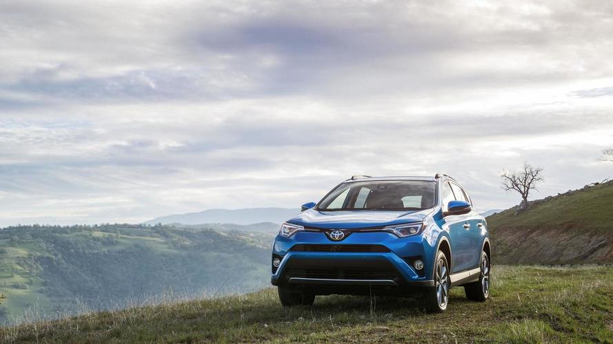 2016 Toyota RAV4 Hybrid unveiled [videos]