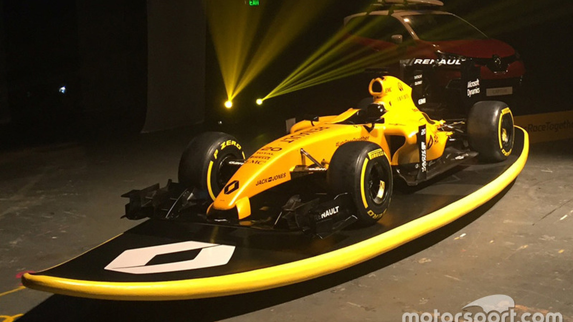 Renault reveals revamped F1 livery