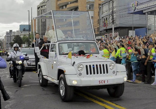 Pope Francis Touring the United States in Jeep, Fiat Vehicles